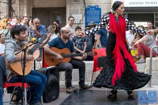 Fiesta-time-in-Ben-Yehuda-Street